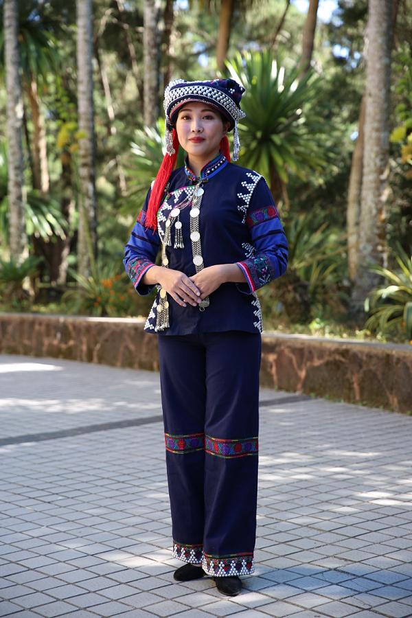 腊米支系服饰