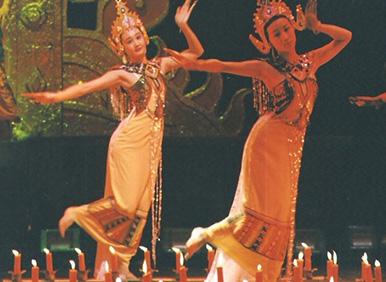 云南省歌舞团泼水节的传说剧照